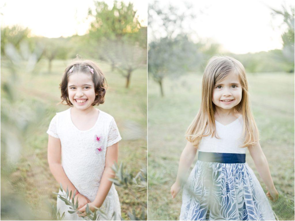 Portraits des enfants dans les champs d'olivier lors d'une séance photo en famille vers Pertuis