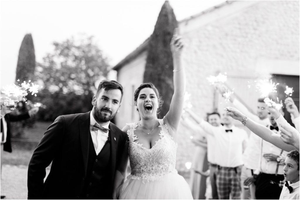 Entrée des mariés dynamique au Grand Logisson à Valensole