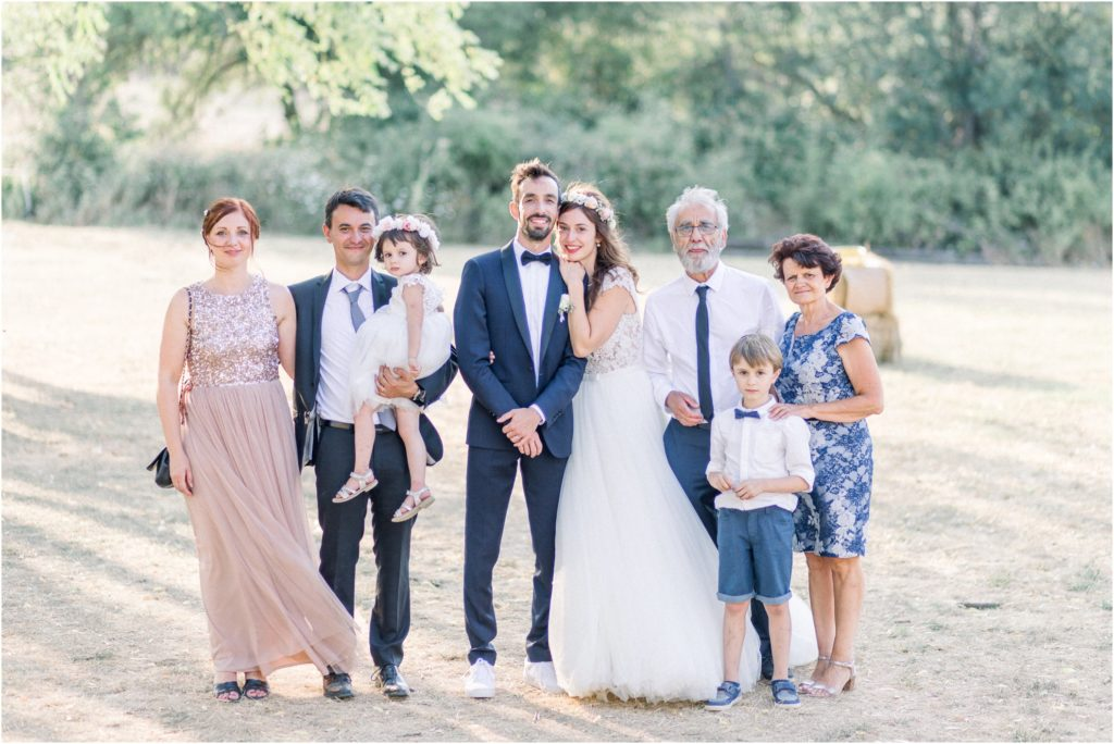 Photo mariage Forcalquier photos de groupe au Gite la Fontaine