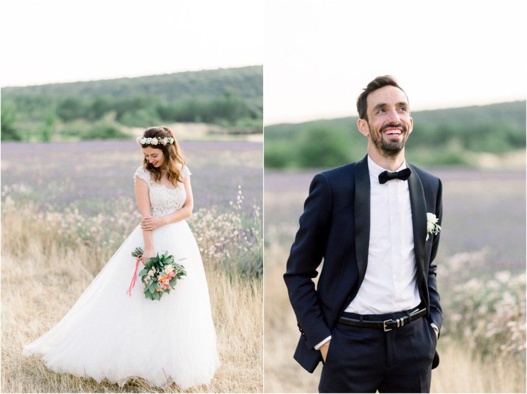 Photo mariage Forcalquier mariés dans champs de lavande pour leur seance de couple