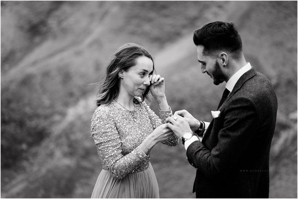 emotion lors d'une demande en mariage en photo à Aix en Provence